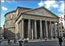 Exceptionnellement, je ne vais pas vous demander de me dire le pays dans lequel se situe ce monument. Il se situe en Italie, c'est :