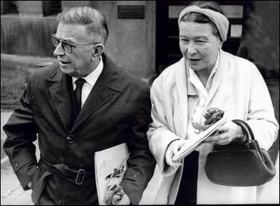 « Agitateurs politiques » d'après-guerre, ce couple célèbre s'est longtemps distingué en argumentant pour des dictatures dites « de gauche » : l'un des deux aurait néanmoins travaillé pour « Radio VIchy ». Qui ?