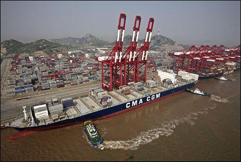 Le port le plus actif et le plus grand du monde est :