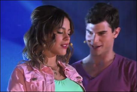 C'est un duo entre Violetta et Diego. De quel clip provient cette image ?
