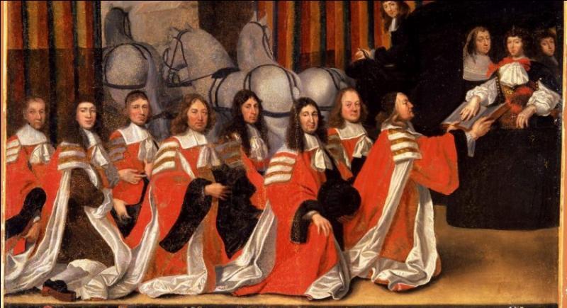 Du Moyen Âge au XVIIIè siècle, quel nom portaient les magistrats municipaux de la ville ?