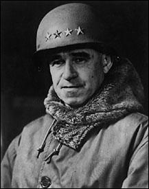 Ce général allié participa à la campagne de Sicile avant de rejoindre l'Angleterre où il se vit confier le commandement du 1er groupe d'armée en partance pour la Normandie. Lors de l'opération Overlord, il dirigea 3 corps d'armée sur les plages d'Utah et d'Omaha. Qui est-il ?