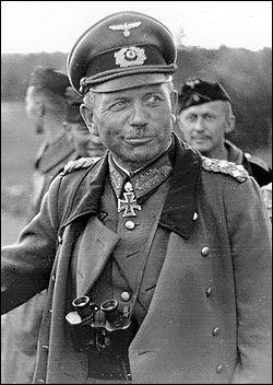 Partisan de la guerre éclair, ce général allemand s'illustra lors de la campagne de France mais fut disgracié durant un temps après son échec sur le front russe. Il est également l'un des créateurs du fameux Panzer. Qui est-il ?
