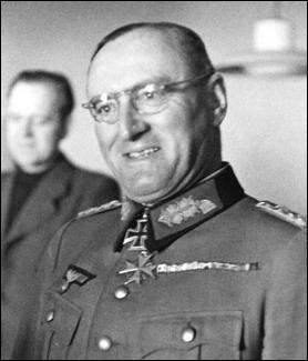 Ce général allemand fut le dernier général à être promu maréchal. Ayant pleinement épousé la doctrine nazie, il fut considéré comme un général sans scrupules et voulant gagner la guerre à tout prix. De ce fait, il ordonna l'exécution (pour lâcheté) de nombreux soldats allemands durant les derniers mois de la guerre. Qui est-il ?