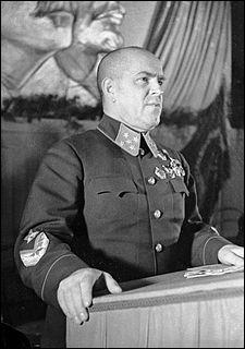 Ce maréchal soviétique supervisa la libération de Stalingrad avant d'organiser le ravitaillement, puis la libération de la ville de Leningrad. Qui est-il ?