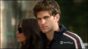 De qui Toby tombe-t-il amoureux ?