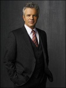 Victor Bennett est incarné par James Read depuis la saison 3, mais qui fut le tout premier à remplir cette mission ?