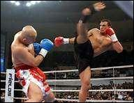 Celui-là est une star du sport, ce kick boxer marocain s'appelle Badr Hari :