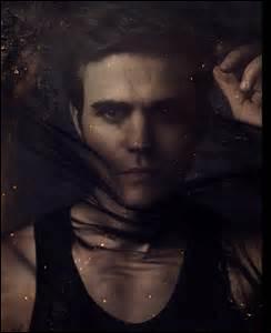 Klaus a dû éteindre les émotions de Stefan pendant la saison 3, pourquoi ?