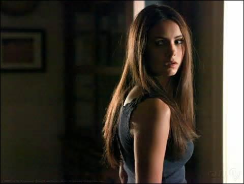 Avant de devenir Vampire Elena Gilbert était une espèce surnaturelle : elle était :