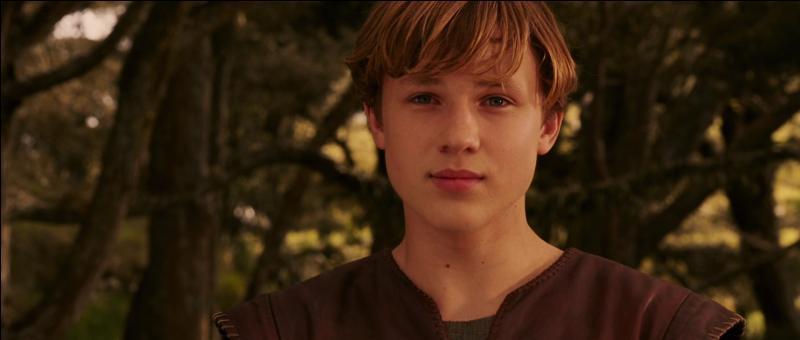 Que dit Peter à Edmund après que ce dernier soit revenu au camp d'Aslan ?