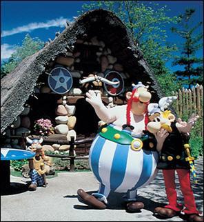 Le Parc Astérix fête ses 20 ans en 2009, mais quel est l'âge d'Astérix et d'Obélix pour cette même année ?