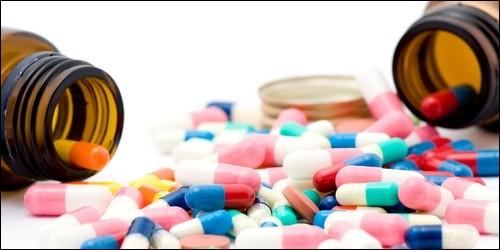Celui qui vend des médicaments, c'est :