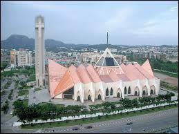 Les choses sérieuses commencent. La capitale du Nigeria est...
