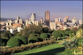 L'Afrique du Sud a plusieurs capitales. Sa capitale administrative est...