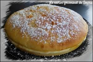 Comment s'appelle cette pâtisserie à base de crème pâtissière ?