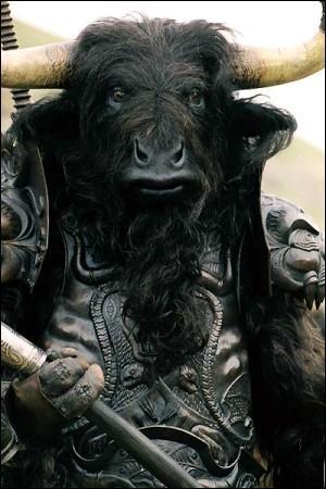 Quel est-ce monstre ? Il s'appelait en réalité Astérios, fils de la reine de Crète Pasiphaé et d'un taureau envoyé par Poséidon.