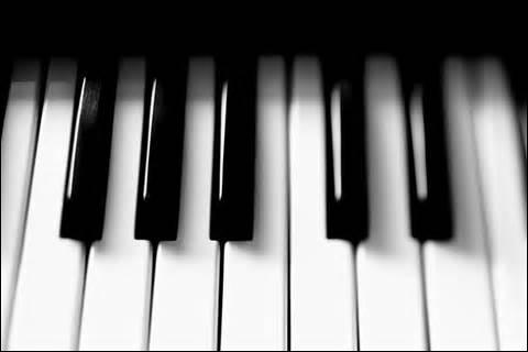 Combien de touches un clavier de piano normal comporte-t-il ?