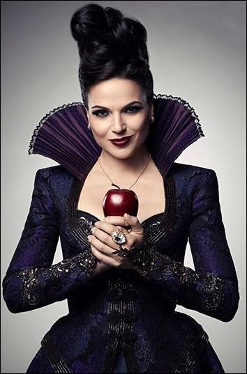 Qui est la mère de Regina ?
