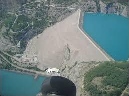 Dans quelle région se situe le Barrage de Serre-Ponçon ?