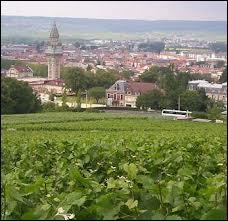 Laquelle de ces trois villes est la capitale du champagne ?