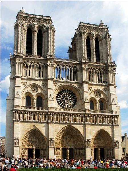 Dans quel arrondissement de Paris ce monument se trouve-t-il ?