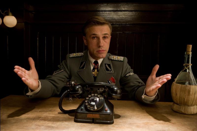 """À quel parti est affilié Hans Landa dans le film """"Inglorious Basterds"""" ?"""