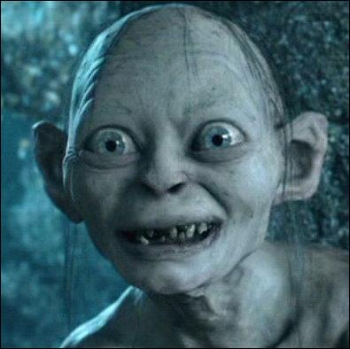 Dans quelle saga peut-on voir le célèbre Gollum, l'un des méchants les plus charismatiques du cinéma ?