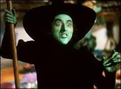 """Quel est le nom de la méchante dans le célèbre film """"Le Magicien d'Oz"""" ?"""