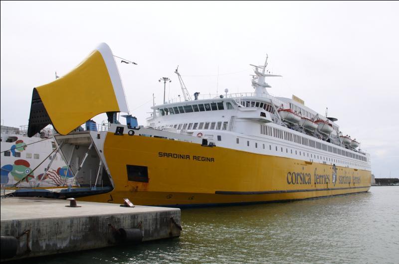 De Libourne vous pouvez embarquer pour la Corse ou la Sardaigne.