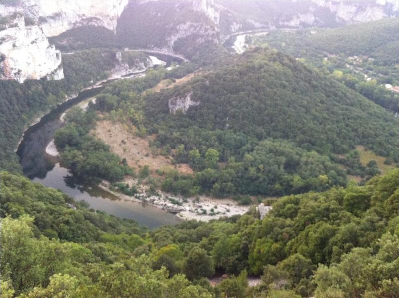 La rivière Ardèche est un affluent de la Loire.