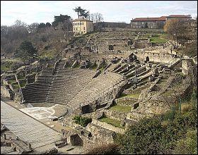 Cette ville a été capitale des Gaules à partir de 27 av. J.-C. C'est :