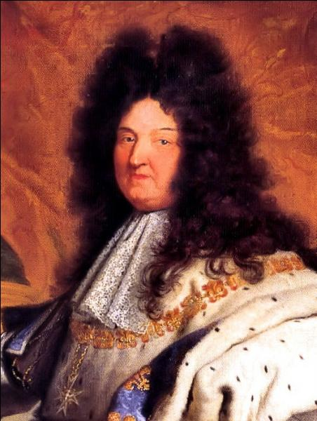 Louis XIV fit de Versailles sa résidence et la capitale du pays. En quelle année ?