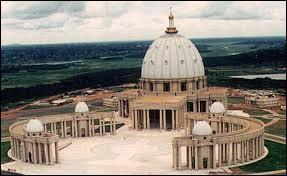 Pour départager les plus forts. Yamoussoukro est la capitale de la Côte d'Ivoire. Elle a remplacé Abidjan en :