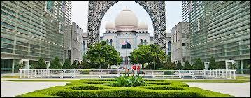 Quelle est la capitale administrative de la Malaisie ?