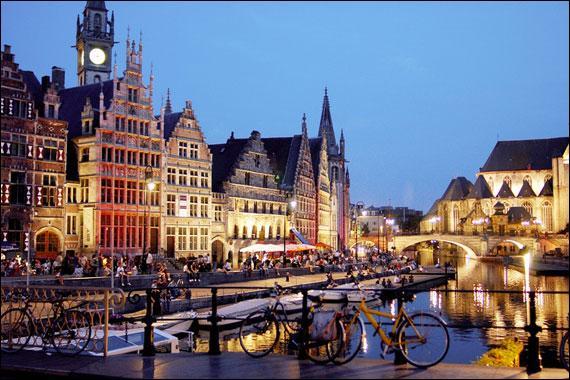 """En néerlandais la ville de Gand s'orthographie """"Gent""""."""