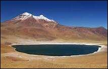 Par quelle montagne l'Équateur est-il traversé du Nord au Sud ?