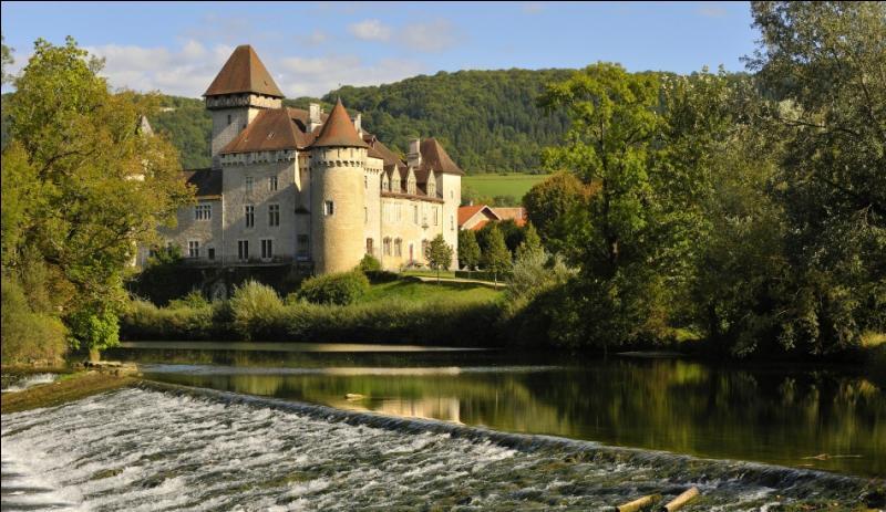 Dans quel département pouvons-nous voir le château de Cléron datant de 1320?