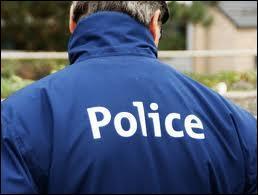 """Tristan Bernard a dit : """"Sans les indicateurs, qu'est-ce que deviendrait la police ?""""."""