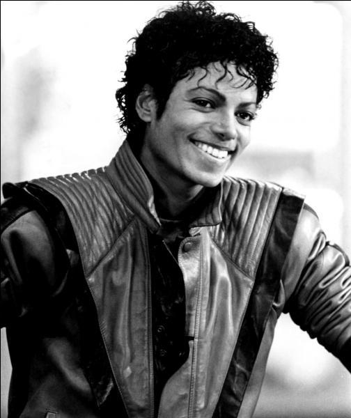 Musique : quel album de Michael Jackson demeure encore aujourd'hui l'album le plus vendu au monde ?