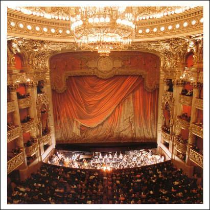 """Théâtre : né à Florence, l'opéra est aujourd'hui considéré comme faisant partie des arts de la scène. Mais que signifie le mot """"opéra"""" ?"""