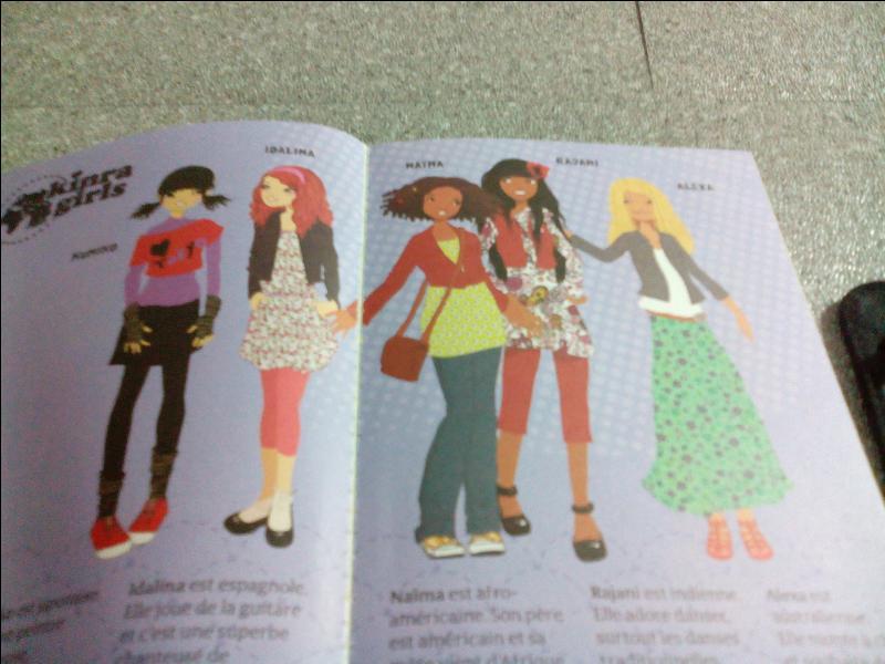 Que disent les Kinra Girls à la fin de chaque livre ?