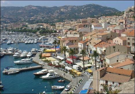 Haute-Corse. Capitale de la Balagne. Citadelle. Plage 'La Pinède' !