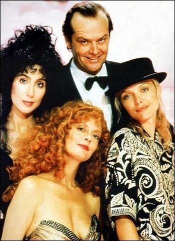 Dans cette comédie très sarcastique, trois jeunes femmes seules vont être séduites par... le Diable (Jack Nicholson) ! L'une d'entre elles, Susan Sarandon, est musicienne et joue... ?