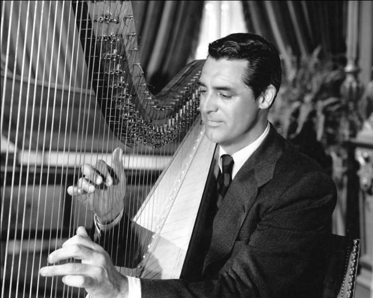 Dans cette charmante comédie romantique, Honni soit qui mal y pense (The bishop's wife) David Niven est un évêque très occupé. Quant à Cary Grant, il joue de la harpe, parce qu'il est en fait... ?