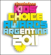 """En quelle année Martina Stoessel a-t-elle remporté une récompense aux """"Kid's Choice Awards Argentina"""" ?"""
