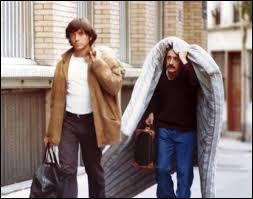 """Quel métier exercent ensemble Michel Blanc et Bernard Giraudeau dans """"Viens chez moi, j'habite chez une copine"""" ?"""