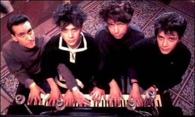 1982. Le groupe 'Indochine' nous chante l'univers de Bob Morane, ... !
