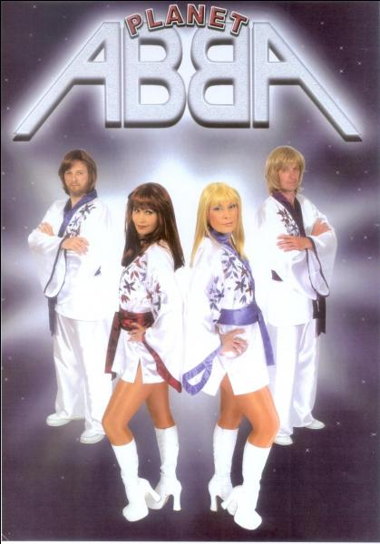 1976. ABBA interprète cette chanson lors d'un spectacle télévisé organisé en l'honneur du roi Charles XVI Gustave de Suède qui venait de se marier !