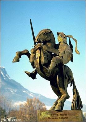 Pierre Terrail, seigneur de Bayard, se distingua par sa loyauté et sa bravoure. Il fut surnommé : le chevalier sans ... et sans ... .